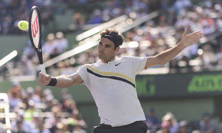 O suíço Roger Federer em ação no Miami Open de 2018, em que era o favorito