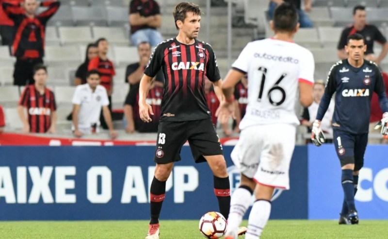 Prognóstico do jogo entre Atlético-PR e Penãrol e comentário sobre jogos do Bahia e Vasco pela Copa Sul-Americana 2018.