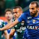 Cruzeiro sai na frente