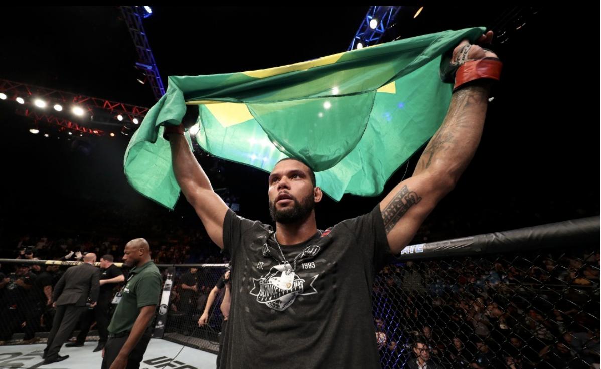 Thiago Marreta nocauteou Eryk Anders no UFC São Paulo