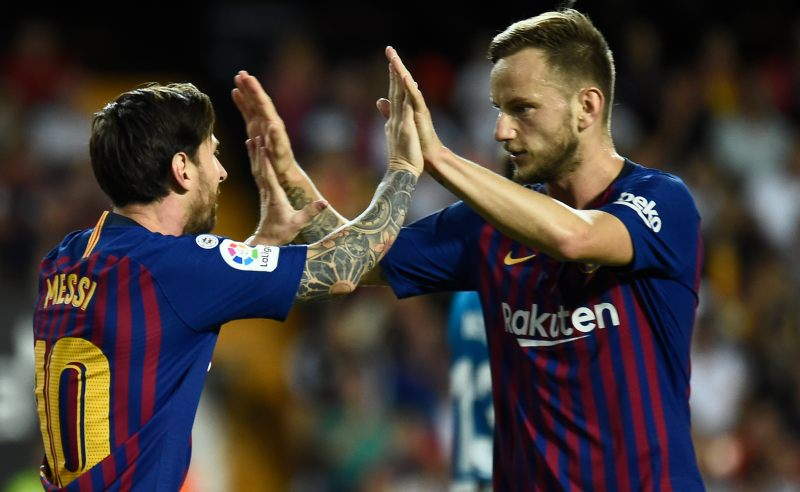 Messi e Ivan Rakitic do Barcelona