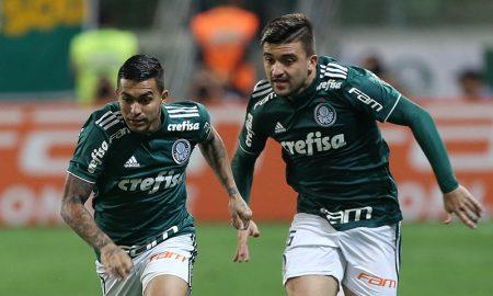 O jogador Dudu, da SE Palmeiras, em jogo contra a equipe do Santos FC, durante partida valida pela trigésima segunda rodada, do Campeonato Brasileiro, Série A, na Arena Allianz Parque.