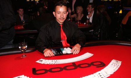 Dealer de poker