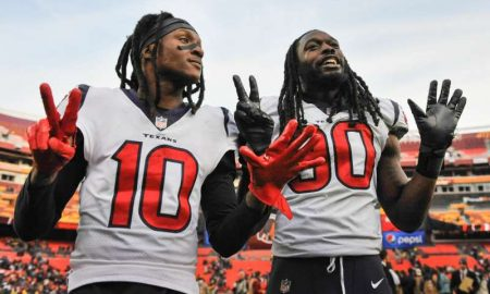 DeAndre Hopkins e Jadeveon Clowney dos Houston Texans