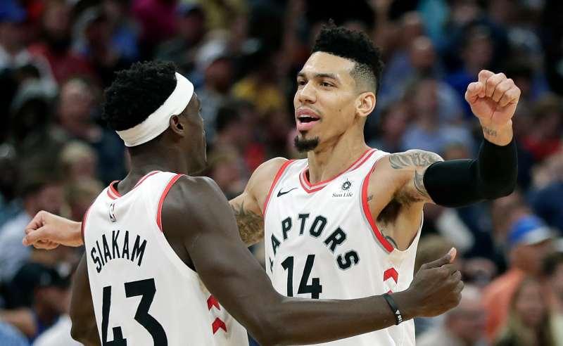Danny Green e PAscal Siakam dos Toronto Raptors