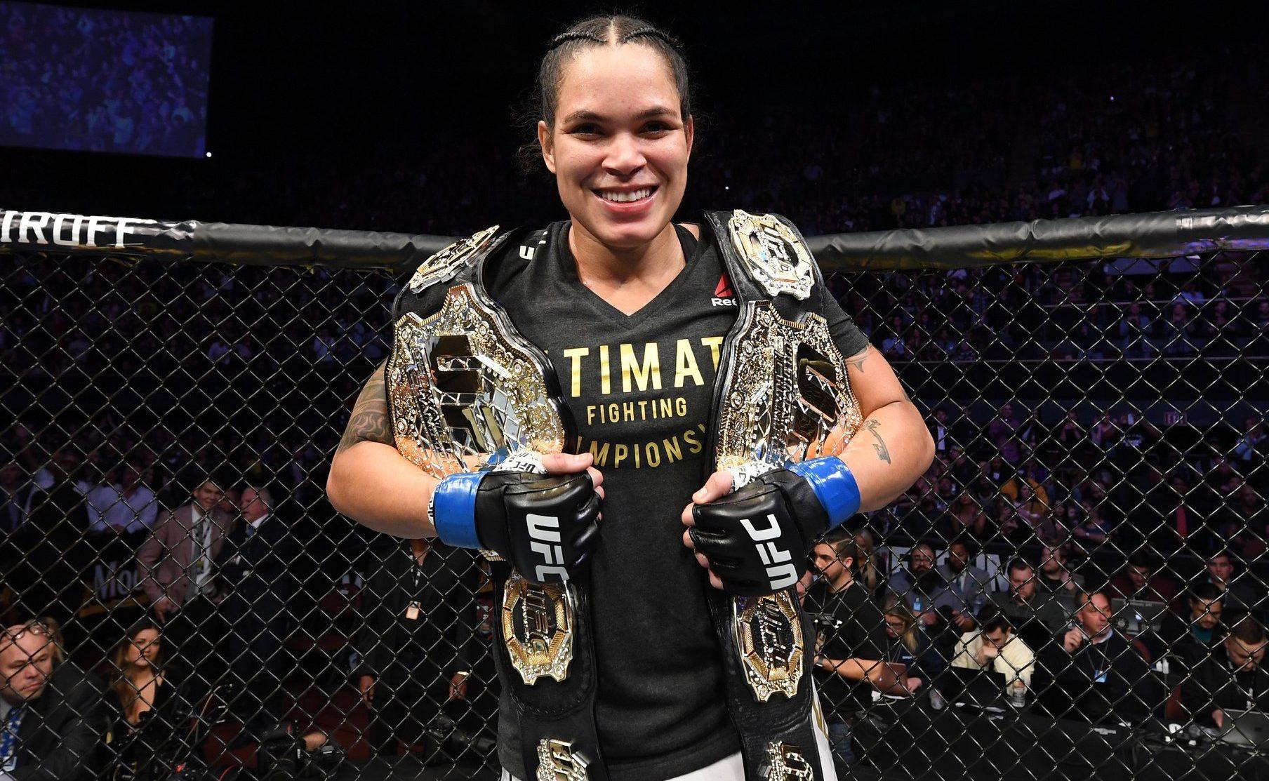 Amanda Nunes conquistou cinturão peso pena no UFC 232