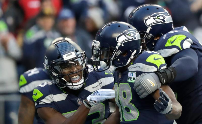 Jaron Brown e colegas dos Seattle Seahawks
