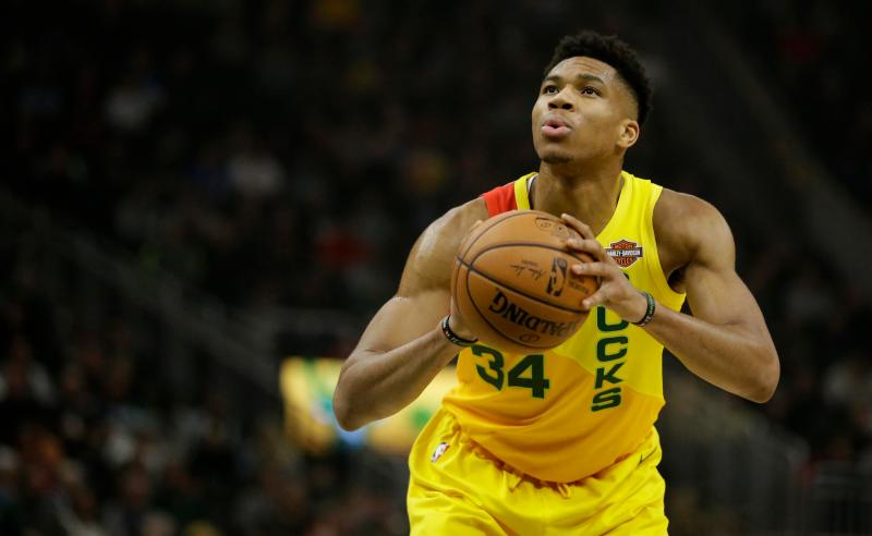 Giannis Antetokounmpo dos Milwaukee Bucks