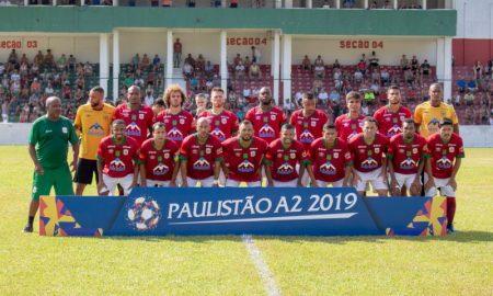 Jogadores da Portuguesa Santista