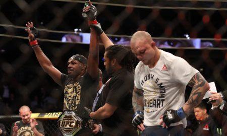 Jon Jones venceu Anthony Smith na decisão dos juízes pelo UFC 235