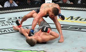 Anthony Pettis nocauteou Stephen Thompson no segundo round pelo UFC Nashville