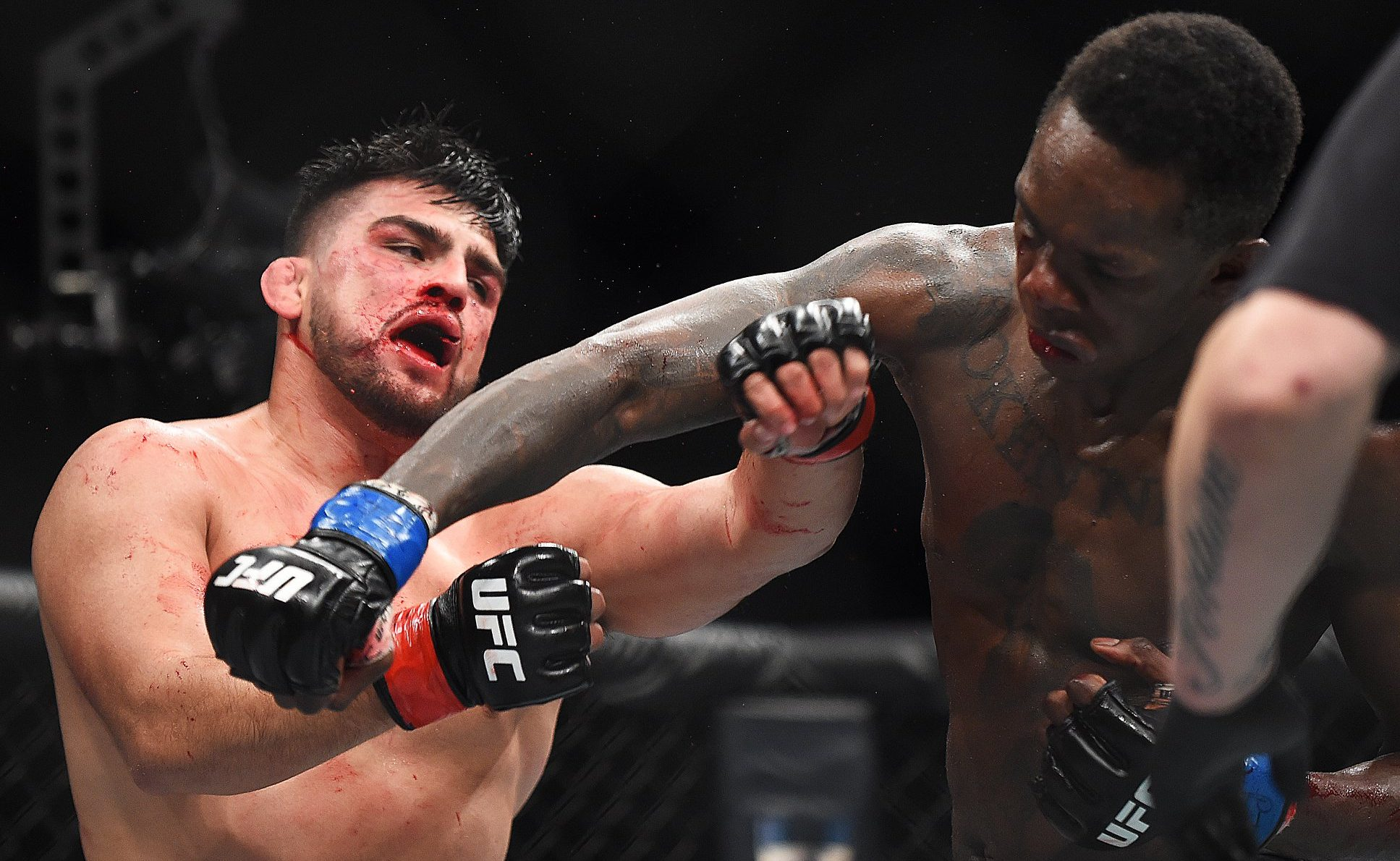Kelvin Gastelum e Israel Adesanya fizeram a co-luta principal do UFC 236