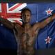 Israel Adesanya representa a Nova Zelândia no UFC