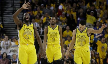 Draymond Green, Kevin Durant, and guard Stephen Curry dos Golden State Warriors