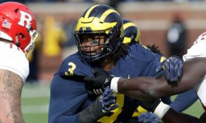 Rashan Gary de Michigan