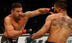 Rafael Dos Anjos venceu Kevin Lee por finalização no UFC Rochester