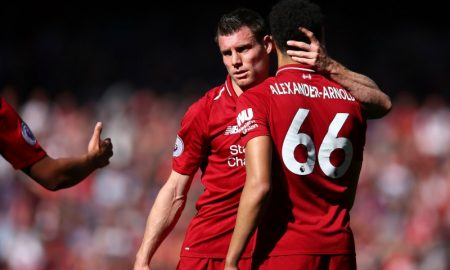 James Milner e Trent Alexander-Arnold do Liverpool