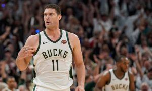 Brook Lopez dos Milwaukee Bucks