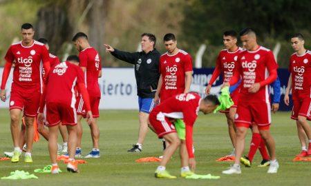 Técnico Eduardo Berizzo e a Seleção Paraguaia