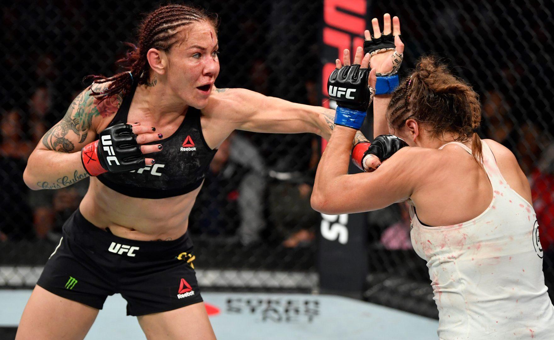 Cris Cyborg venceu Felicia Spencer no UFC 240