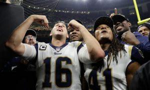 Jared Goff e Marqui Christian dos Los Angeles Rams