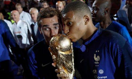 Kylian Mbappe e Antoine Griezmann da Seleção Francesa