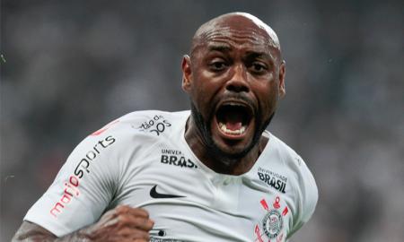 Com Vagner Love entre os titulares, Corinthians espera um bom resultado contra a Chapecoense nesta quarta-feira em jogo válido pela 21ª rodada do Brasileirão