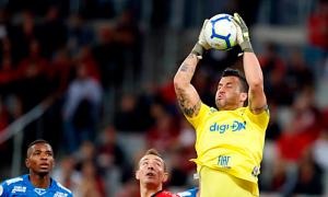 Fábio fez a diferença para o Cruzeiro contra o Athletico-PR