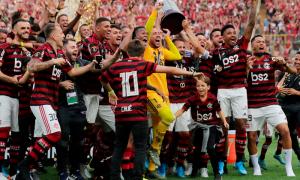 Festa na Gávea: Flamengo conquista a Libertadores e o Brasileirão no mesmo final de semana