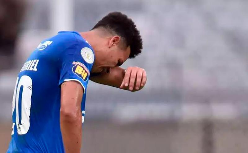 Marquinhos Gabriel lamenta a derrota para o Palmeiras e o rebaixamento do Cruzeiro para a Série B