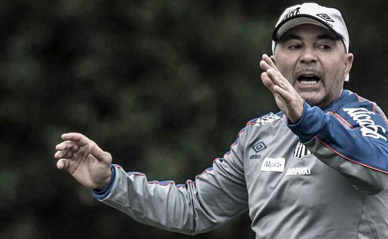 Sem acordo com o Santos, Jorge Sampaoli deixa a Vila Belmiro