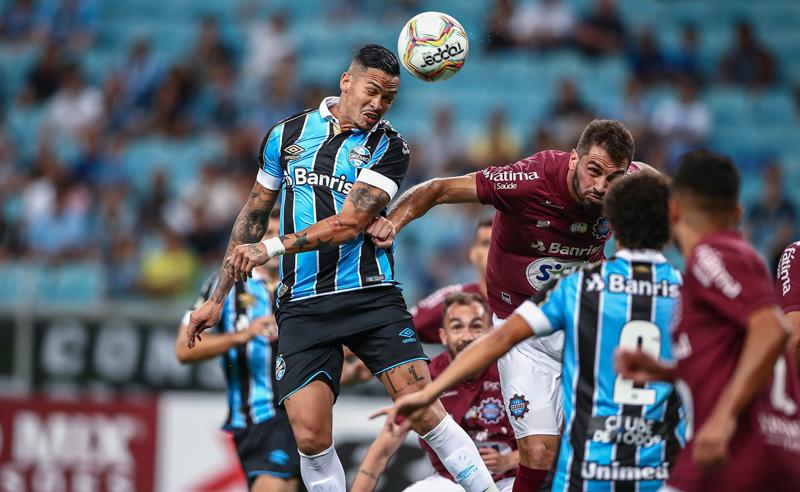 Grêmio busca em Pelotas a primeira vitória no Estadual