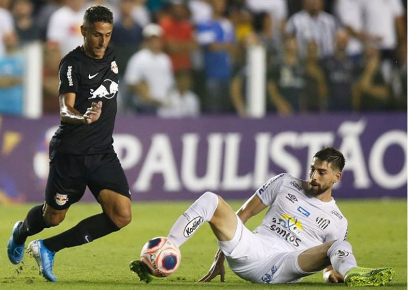 RB Bragantino contra Santos
