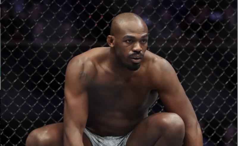 Jon Jones é campeão meio-pesado do UFC