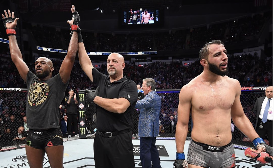Jon Jones venceu Dominick Reyes no UFC 247