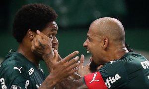 Luiz Adriano e Felipe Melo do Palmeiras