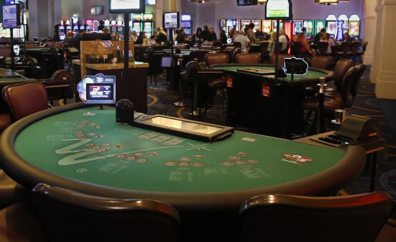 Habilidade e blefe no poker