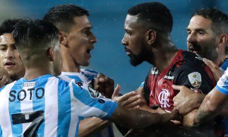 Gerson do Flamengo e Matias Rojas do Racing
