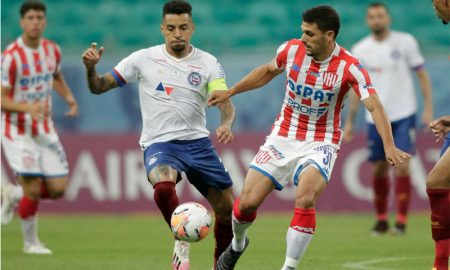 Gregore do Bahia e Lucas Esquivel do Union Callera