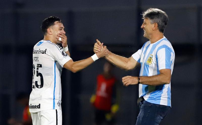 Pepê e Renato Gaúcho do Grêmio