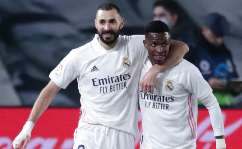 Benzema e Vinicius Junior do Real Madrid