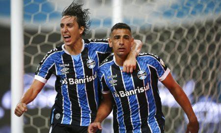 Geromel e Diego Souza do Grêmio