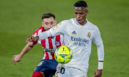 O brasileiro Vinícius Júnior, do Real Madrid, em partida contra o Atlético em La Liga 2020/2021
