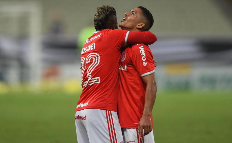 Rodinei e Caio Vidal do Internacional