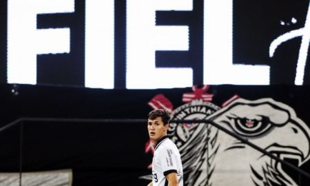 O Corinthians em ação em seu estádio, em Itaquera, no Brasileirão 2020