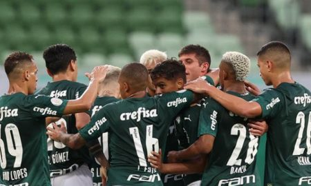 Jogadores do Palmeiras comemoram gol na disputa da Série A do Brasileirão 2020