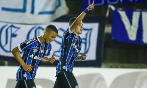 Darlan e Pedro Lucas do Grêmio