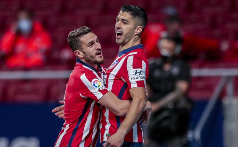 Luis Suárez e Koke do Atletico de Madri