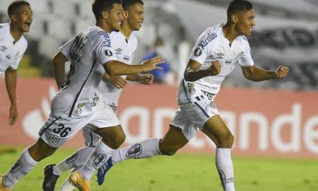 Comemoração de gol do Santos, que pega o Deportivo Lara na fase preliminar da Libertadores 2021