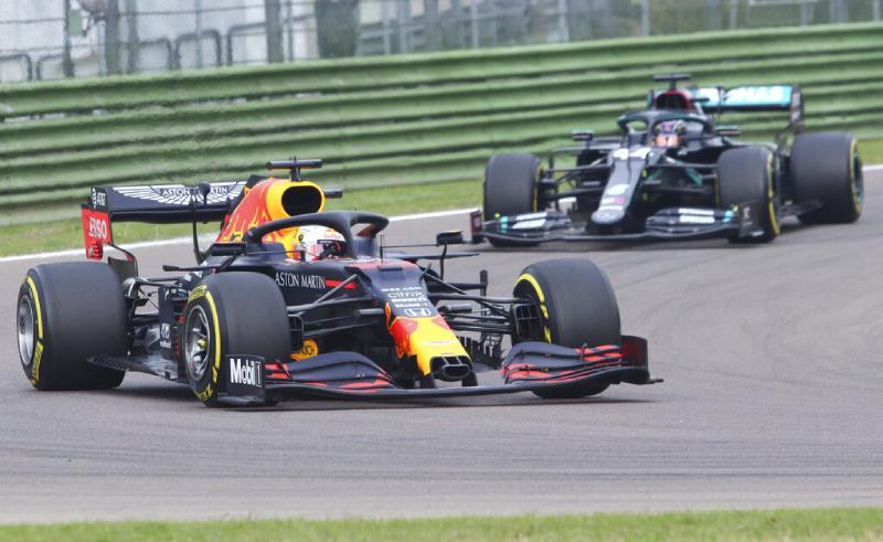 Verstappen da Red Bull Racing e Hamilton da Mercedes